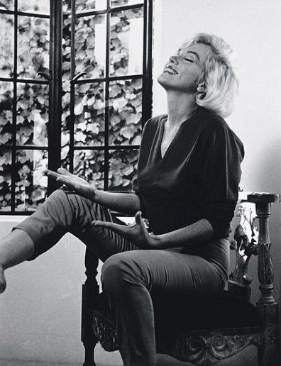 Tour Marilyn Monroe's Beverly Carlton Hotel Apartment and Spanish-Style House in Los Angeles